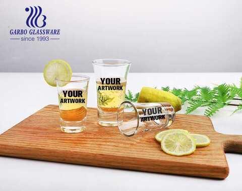 Vasos de chupito personalizados personalizados clásicos de 2.5 oz vidrio vodka para espíritu