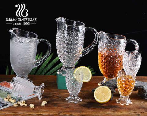 Juego de jarras para beber de agua de vidrio high-white star series 7pcs al por mayor con vasos de vidrio con patas con diseño personalizado de post-procesión