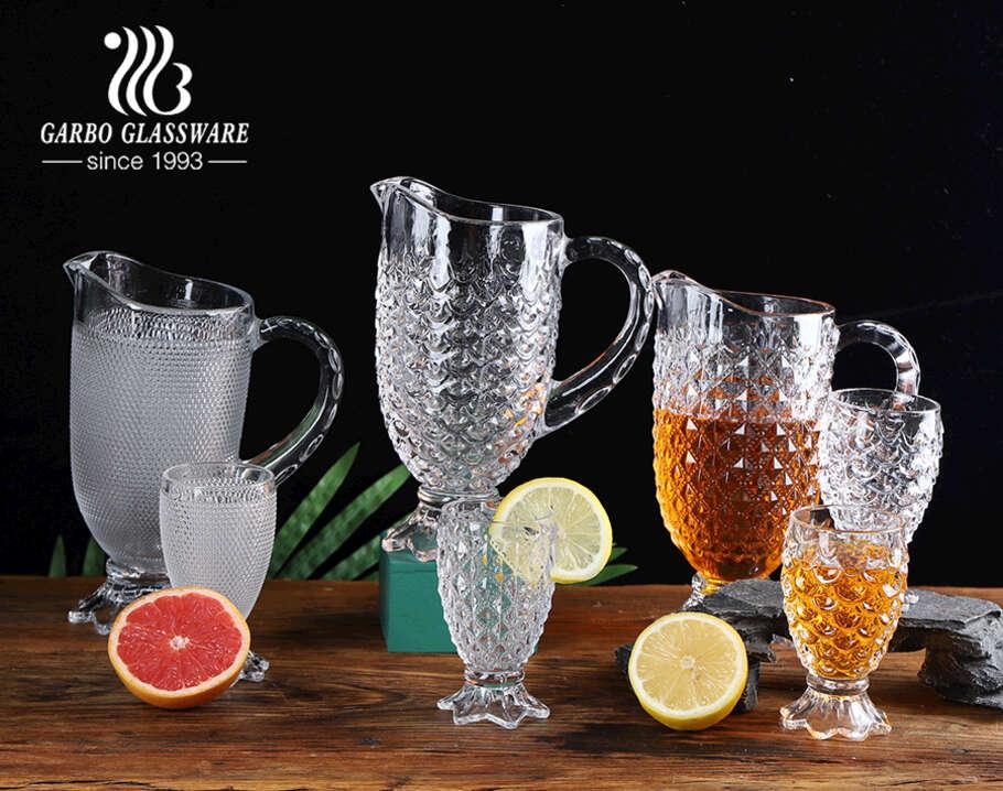سلسلة نجمة بيضاء عالية بالجملة مكونة من 7 قطع من إبريق شرب الماء الزجاجي مع أكواب زجاجية ذات أقدام مع تصميم مخصص بعد الموكب
