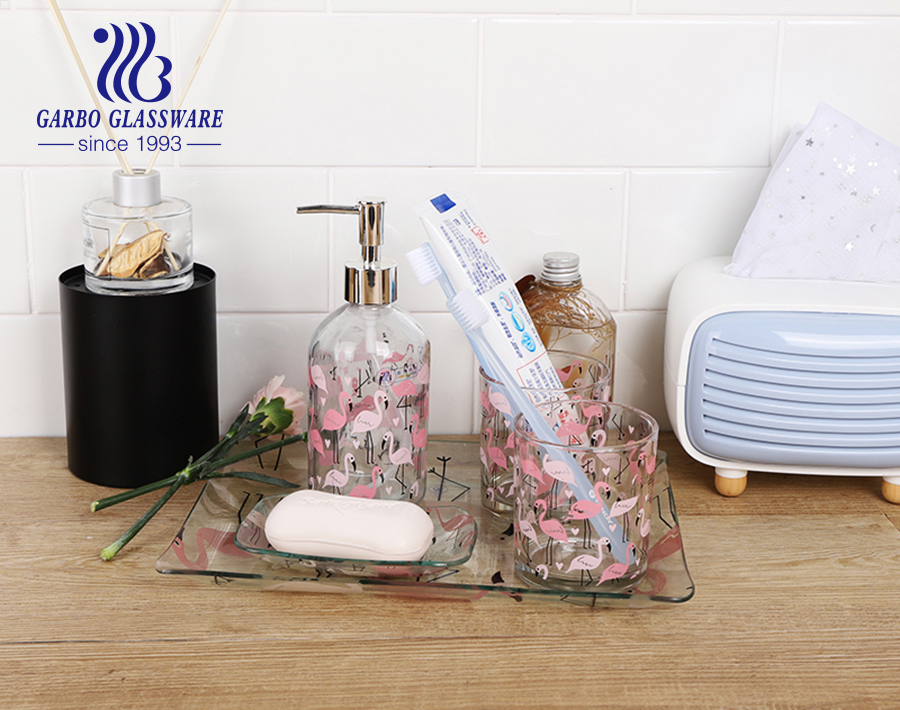 Garboブランドのホテルのガラス製バスルームアクセサリーがお好みに合わせてセットされ、注文を歓迎します