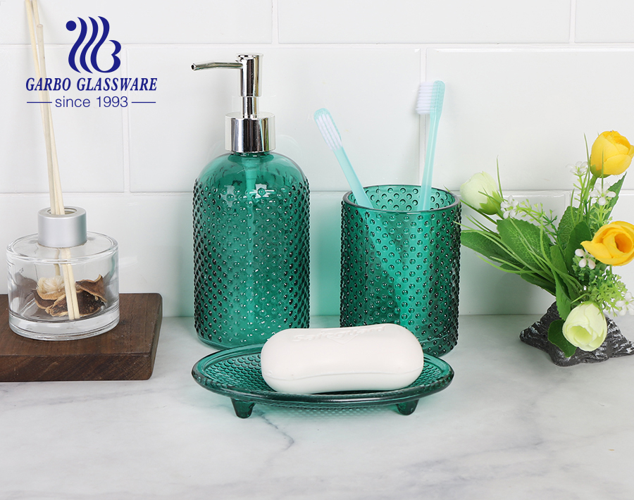 Machine-made gift box 3pcs glass bathroom accessories set with spraying vintage green for hotel