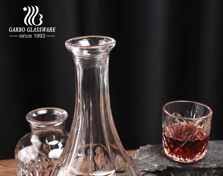 Bình đựng rượu whisky chất lượng cao trong suốt có nắp Bình đựng rượu thủy tinh dài hình dáng độc đáo