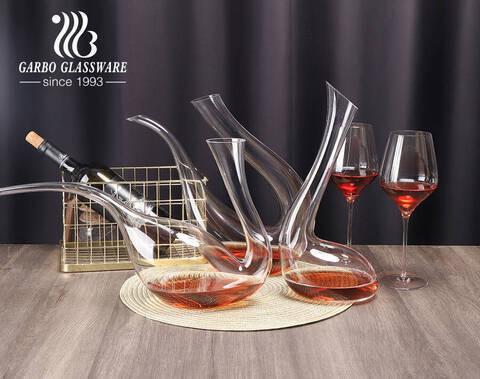 Jarra de cristal hecha a mano del vino del diseño único de las jarras de vino sin plomo modificadas para requisitos particulares de la forma
