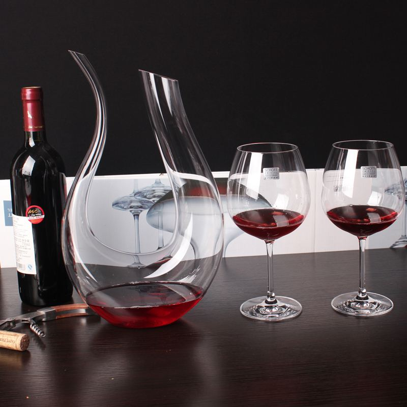 How do Americans choose the right glass wine decanter?