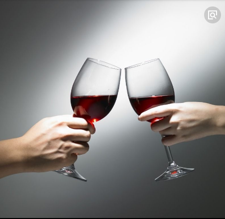 Do you know the right way to hold a red wine glass?