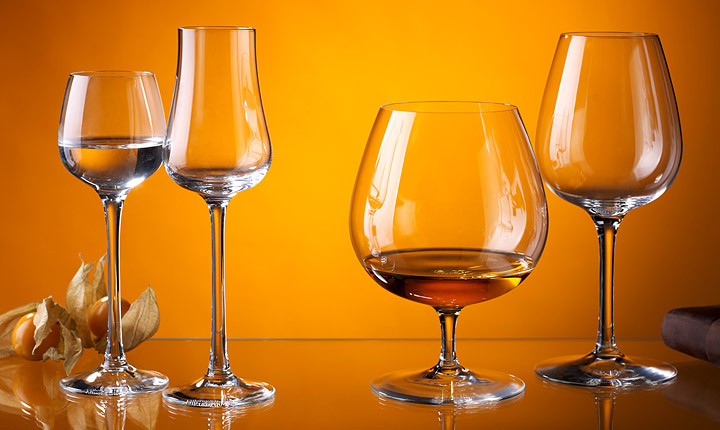 What is the chemical element of glassware