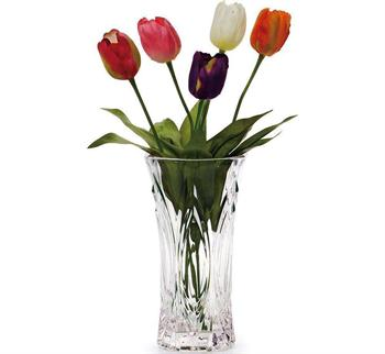 Does the glass vase need maintenance? How to maintain it?