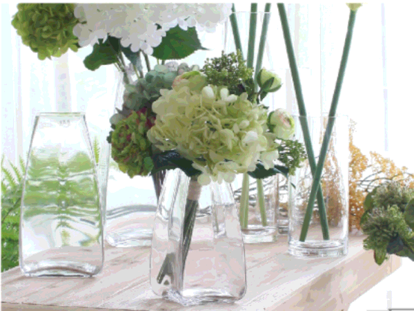 What kind of glass vase is suitable for home?