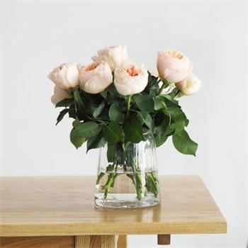 Yếu tố quan trọng trong việc chọn bình hoa và mẹo sắp xếp bình hoa