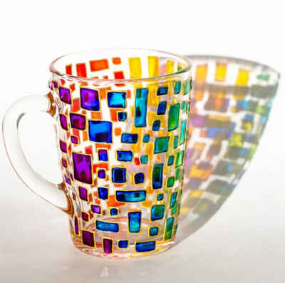 Are colored glass cups toxic
