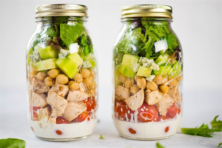 How to make the most popular mason jar salad