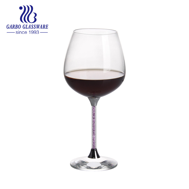 Do you know the difference between glass and crystal wine glass?
