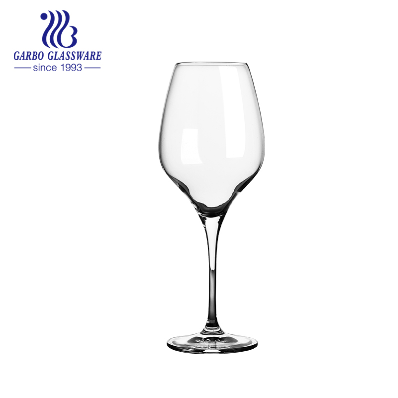 Tips for cleaning wine glasses