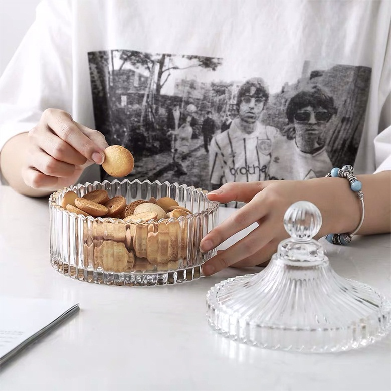 What are the functions of glass candy pot