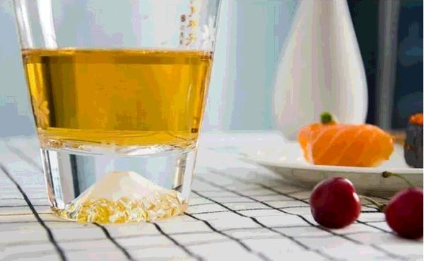 cốc nước trái cây