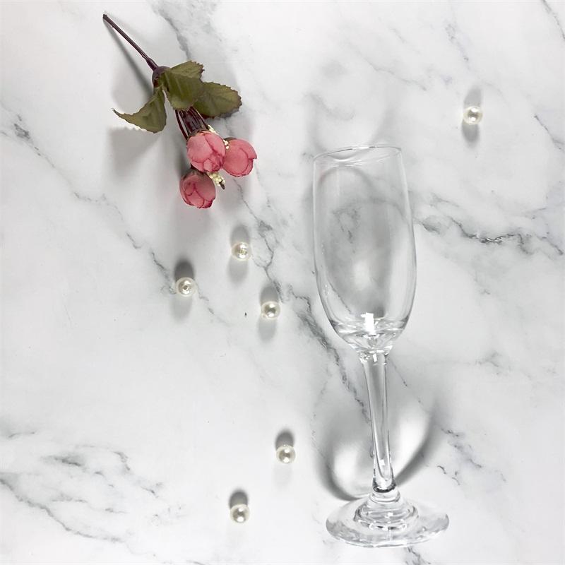 Bạn đã biết cách chọn ly thủy tinh rượu vang đỏ chất lượng tốt chưa