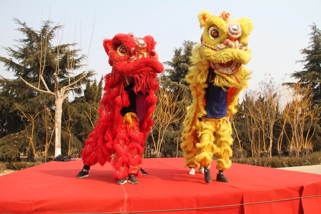 Do you know the different traditional customs of  China  province