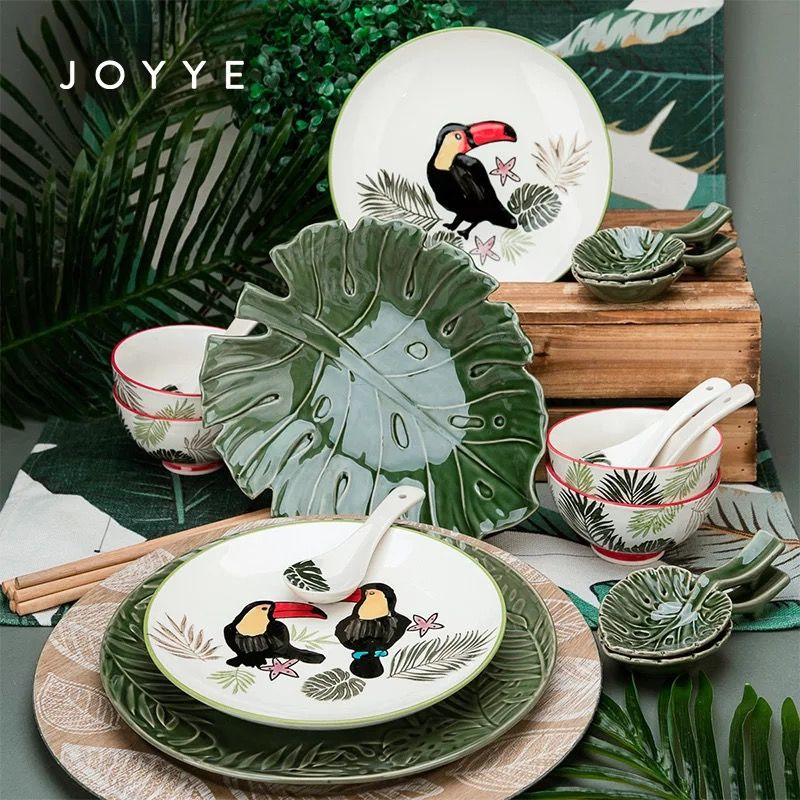 Own a set of beautiful tableware, enjoy your life