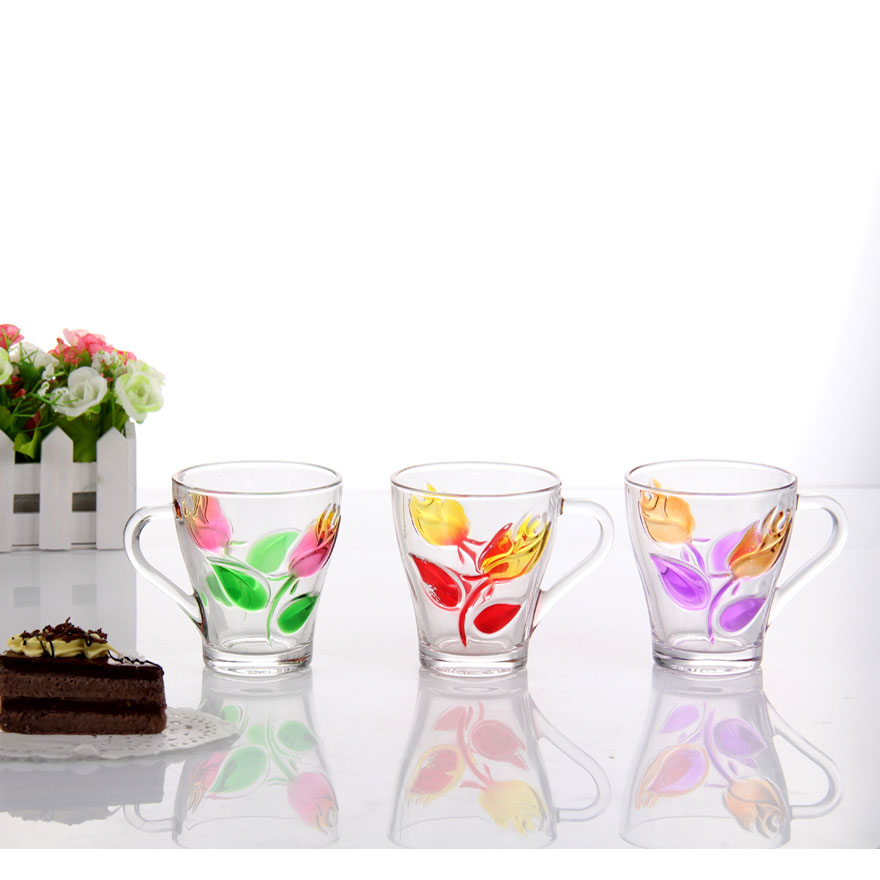 There are lots of colorful glassware in the shop, do you know how the manufacturer produces it?cid=3