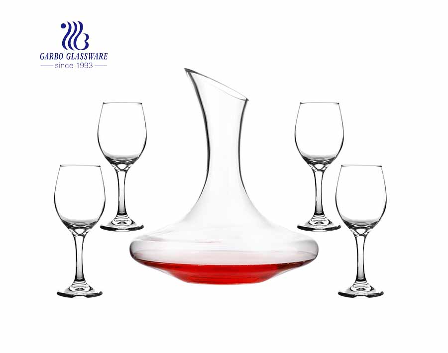 Elegant and vintage glass red wine decanter set with four glass goblets