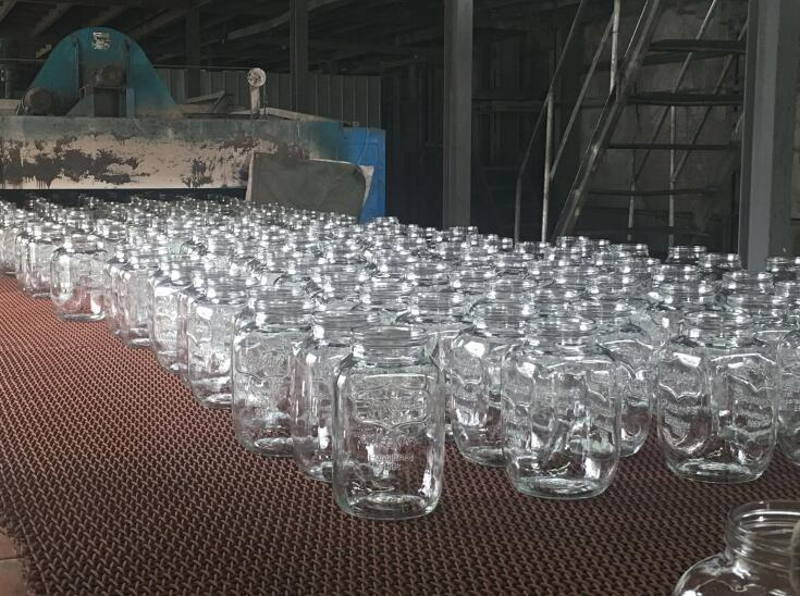 glass bottle suppliers manufacturing