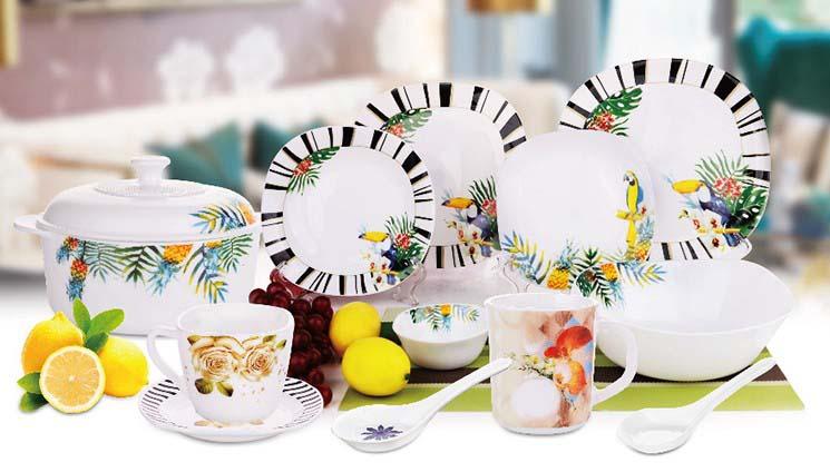 Pratos de jantar de vidro temperado opalino de 5 polegadas com borda dourada para casamento ou festa