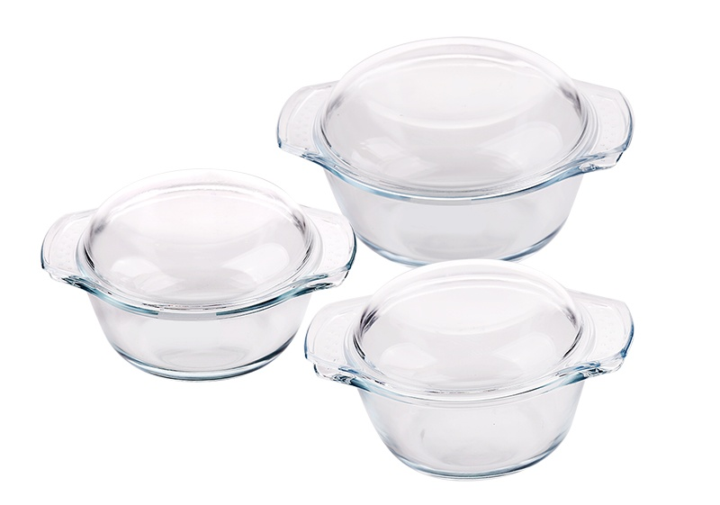 The multifunctional borosilicate casserole is a perfect kitchen helper for your home