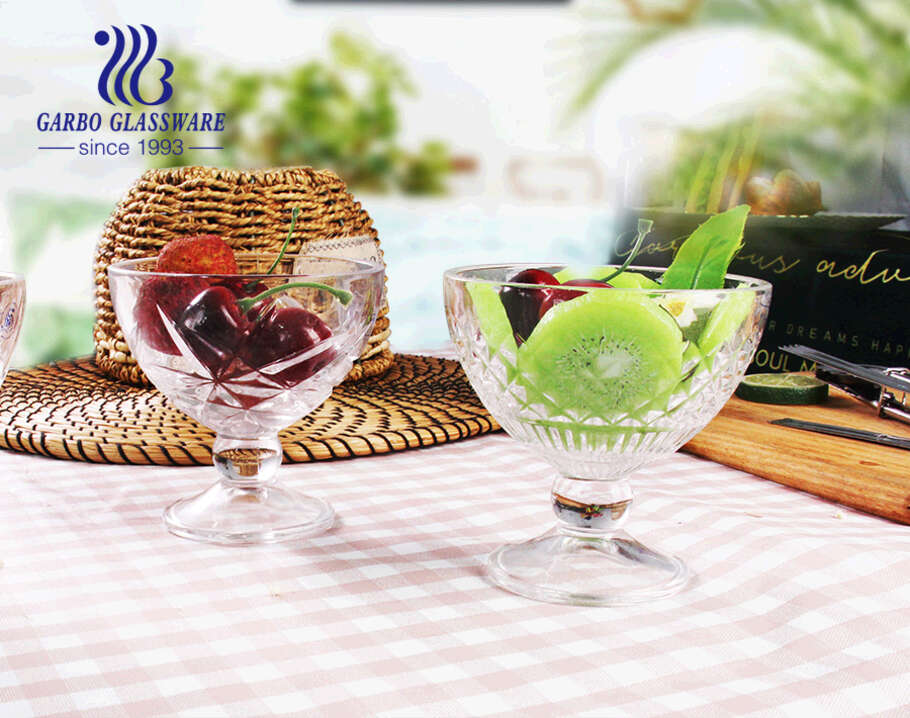 Fashion Embossed pattern  Lead Free Clear Transparent Glass holder Glass  desert bowl  glass ice cream cup latte holder 10OZ footed cup