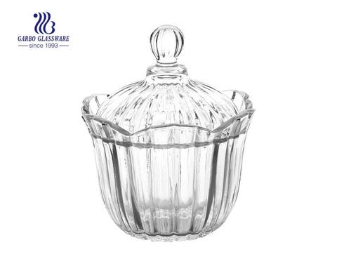 Hochweißes Vintage Glasglas mit Deckel