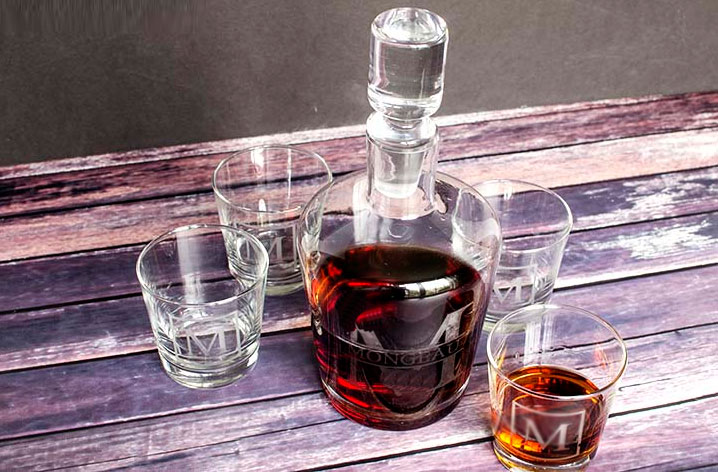 Teach you how to use personalized whiskey glass decanter correctly