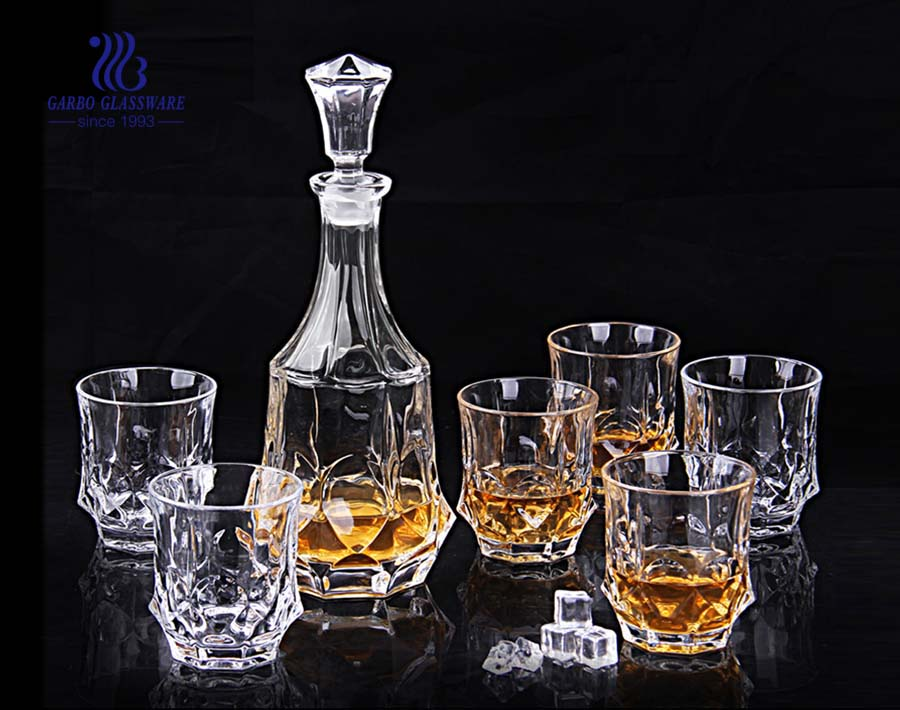 glass whiskey decanter with stopper
