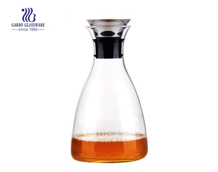 900ml Edelstahldeckel mundgeblasene Pyrexglas-Wasserkaraffe für den Großhandel