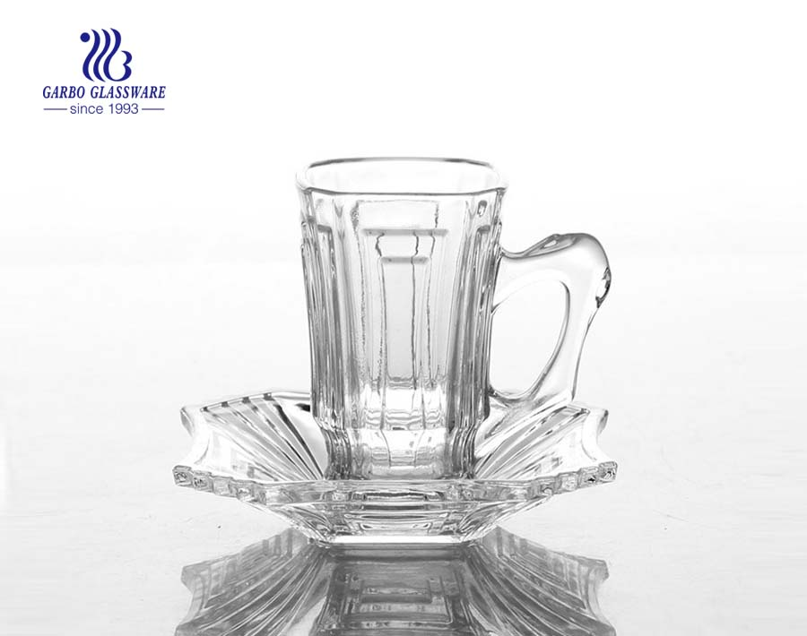 clear glass mugs set for tea
