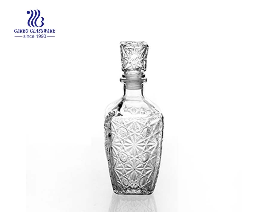 China Yellow Cheap Price Gift Glass Decanter