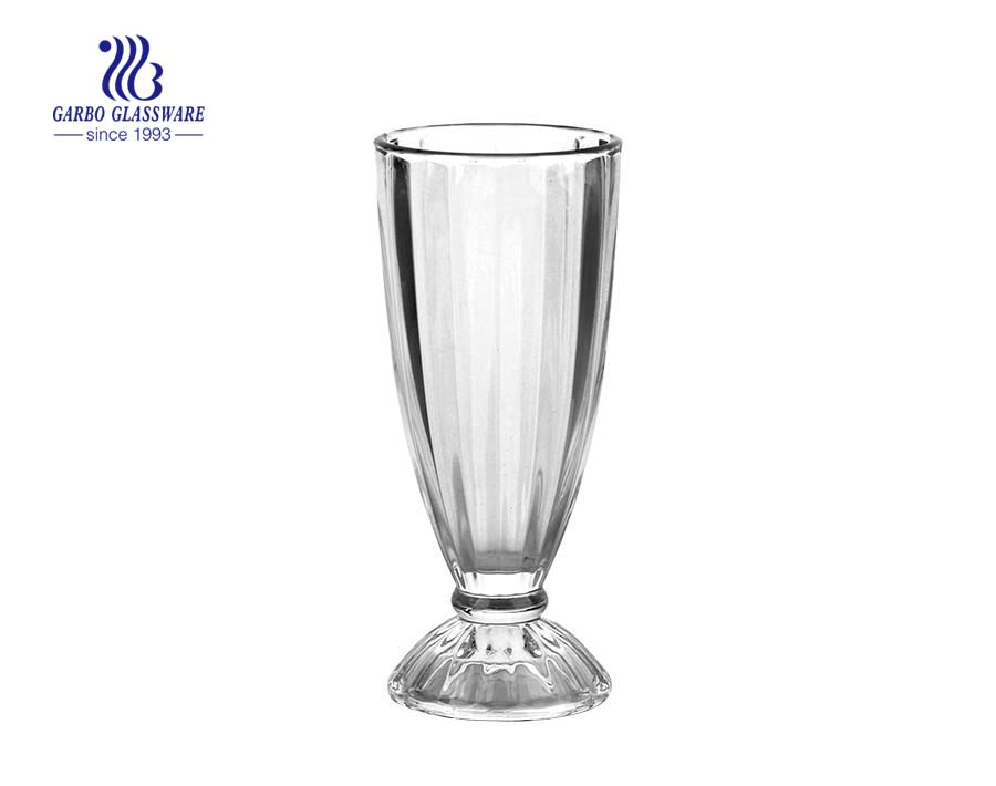 Classic engraved glass milkshake cup for drinking