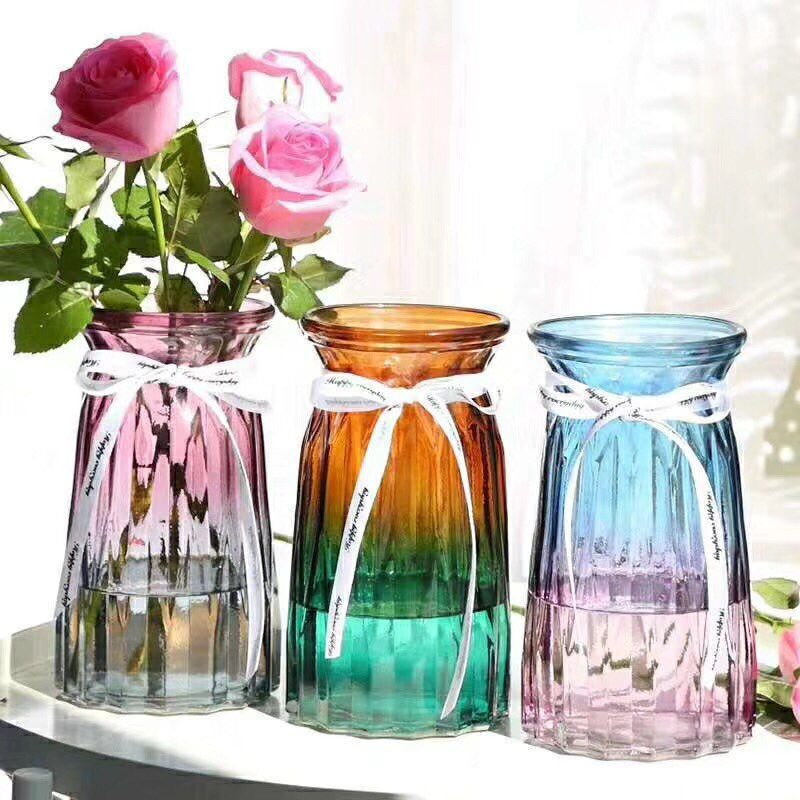 What are the difference between pressed glass and blowing glass