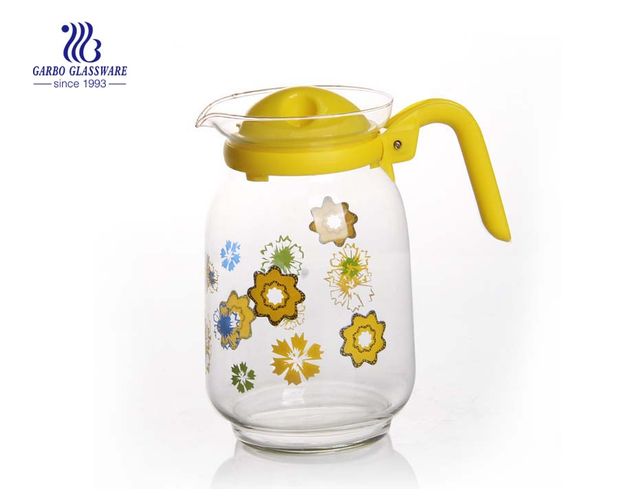 Cheap price FOB CHONGQIANG custom decal glass jug teapot with colourful plastic cover accessory