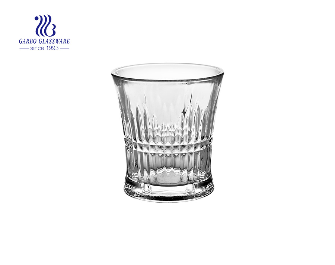 Nuevo diseño de 9 oz vasos de copa de vino grabados