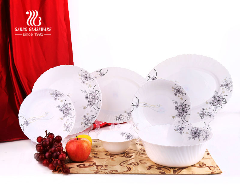 Luxury high quality home hotel restaurant use 26pcs tempered opal glass dinnerware set