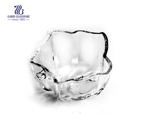 Hochwertige transparente Glasschale in Blattform mit unregelmäßiger Form
