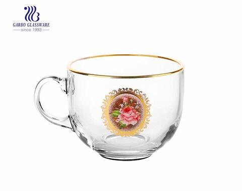 Taza de café de vidrio de 420 ml con borde dorado y diseño elegante