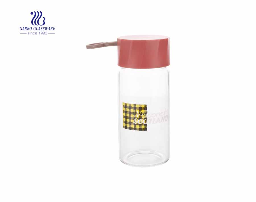 Cute adorable design 260ml Pyrex glass juice bottle with silicone string