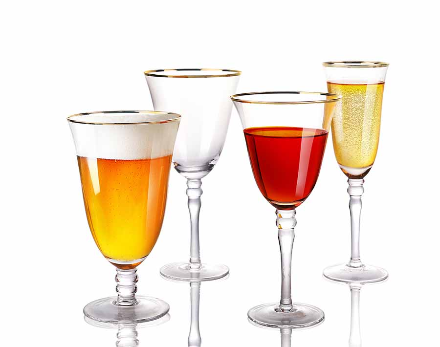 15.14 oz hand blown wine glass with hexagonal belly and gold rim mouth