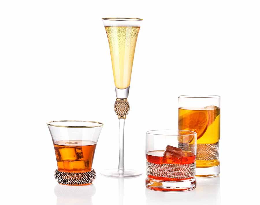 Copa de vino soplada a mano de 15.14 oz con barriga hexagonal y boca de borde dorado