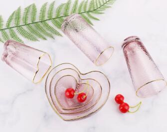 There are lots of colorful glassware in the shop, do you know how the manufacturer produces it?