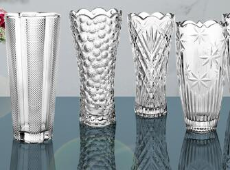 Do you know how to decorate your house with glass vase?