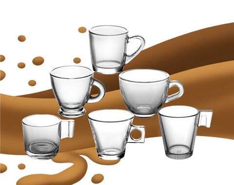 design de logotipo impressão de vidro caneca de café em cappuccino caneca de vidro de café