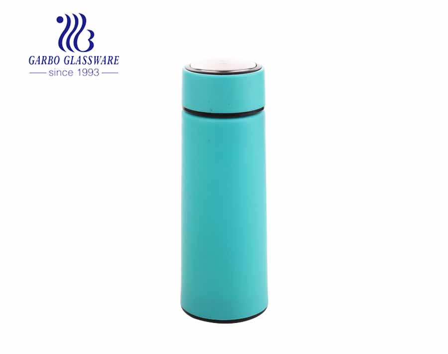Cheap popular 420ml glass water bottle with colorful plastic sleeve