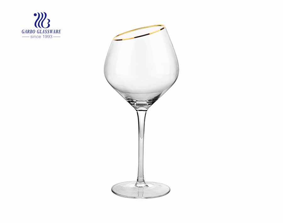 Wholesale customized 20 ounces cheap red wine glasses with gold rim on the oblique mounth