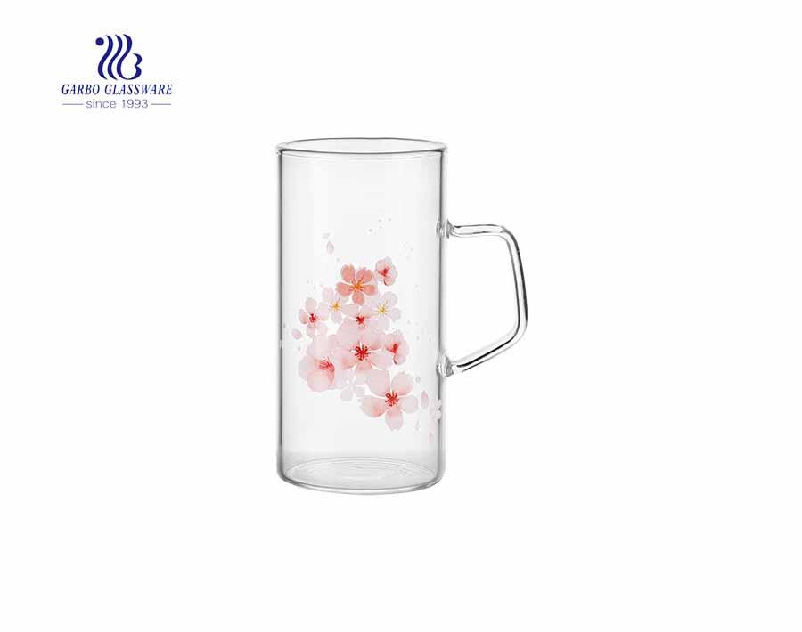 Taza de vidrio de 13.5 oz con calcomanía verde Taza de agua apta para microondas